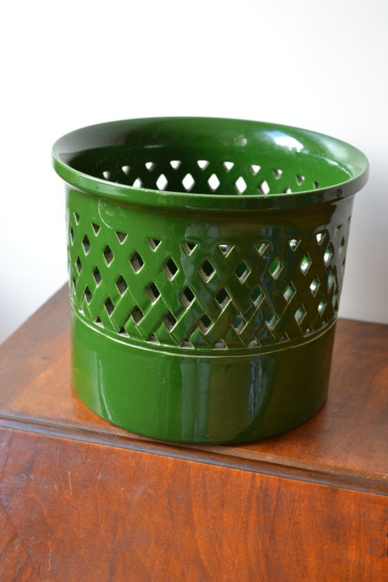 Vintage mid century green planter made in  by JCHiddenTreasures, €17.50