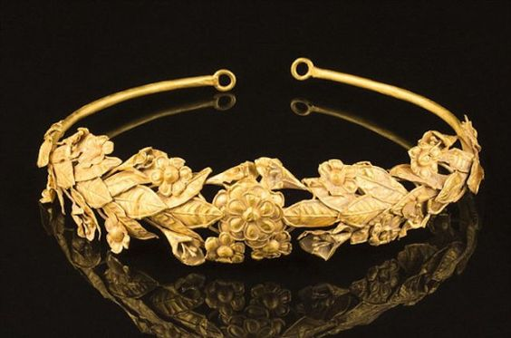 2000 yr old Greek crown