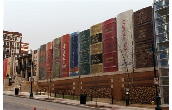a look at the very cool exterior of the Kansas City Public Library.