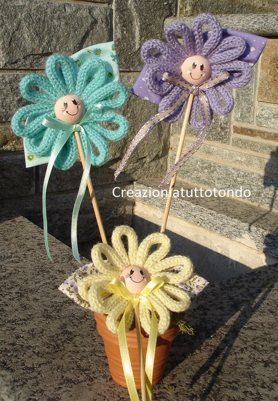 French Knitting Flowers : Idea for a flower with tricotin flores e borboletas em