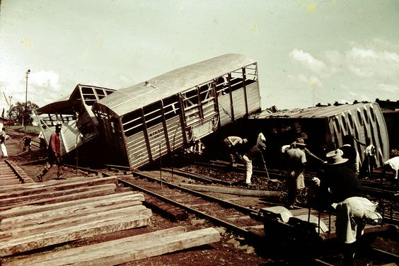 Derailment Eldoret Yard, 1963 (photo by Neil Rossenrode)