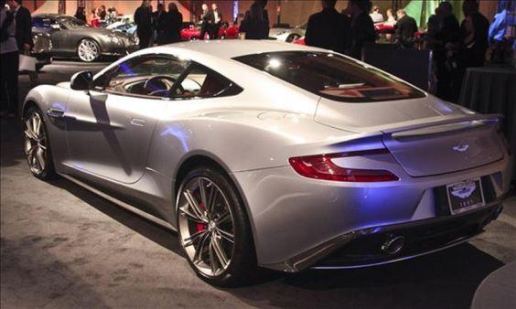 Aston Martin Vanquish (© Perry Stern)
