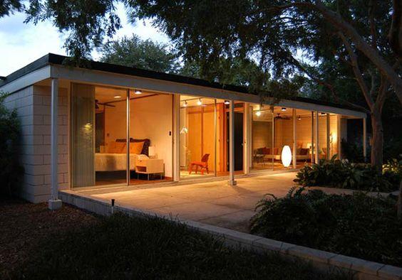 Florida House designed in 1954 by the celebrated architect Gene Leedy