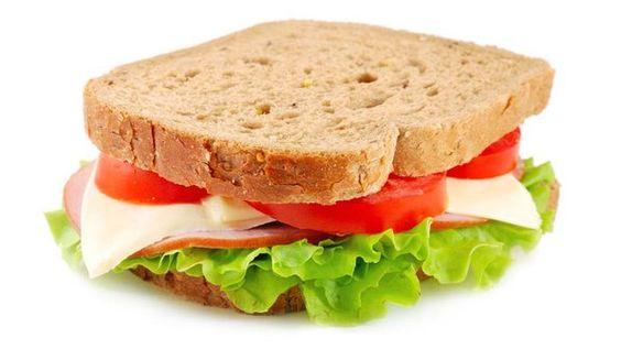 Dieta correta. Confira cinco dicas de alimentos para serem consumidos entre as refeições principais. Clique na imagem para ler a matéria.