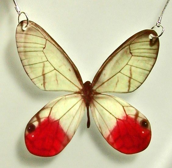 pendant: Butterfly Crafts, Esmeralda Butterfly, Butterfly Necklace, Beautiful Necklaces, Butterfly Moth, Butterfly For