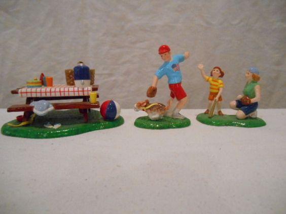 Dept 56 Snow Village Christmas --- Summertime Family Picnic 55180 --- RETIRED