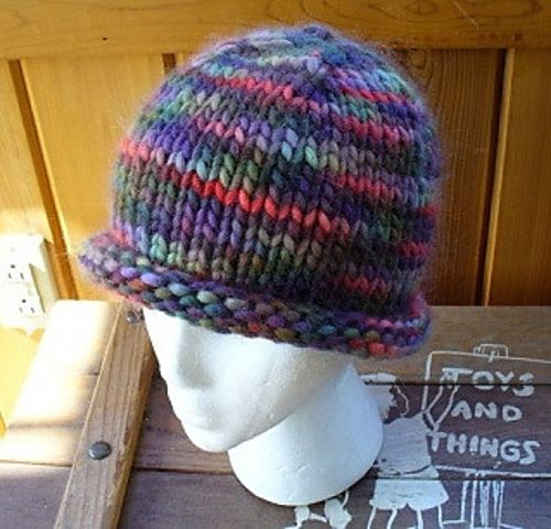 Ravelry Easy Roll Brim Knit Hat Pattern By Laurie Perry Hat Knitting Patterns Knit Beanie Pattern Hat Pattern