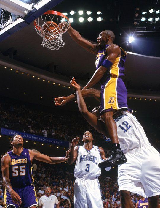Kobe dunking on Dwight Howard