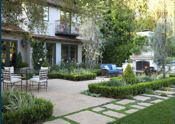 Gabriela Yariv's landscape for a Wallace Neff home in Pasadena - My Home As Art: