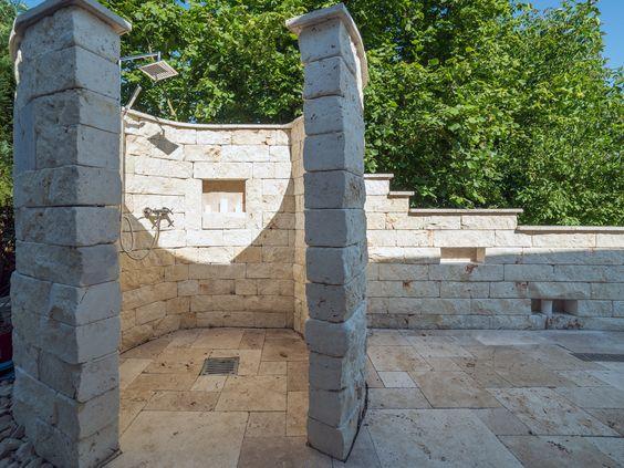 Kreativ: Die Gartendusche aus Naturstein - stonenaturelle