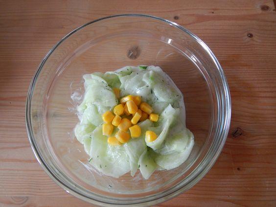 Pfiffiger Gurkensalat. Verfeiere deinen Lieblings-Gurkensalat mit Mais.