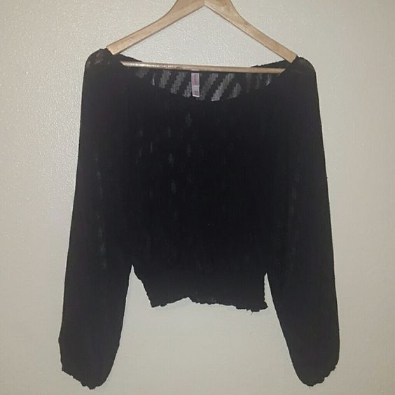 Boho chic top Sheer. Lightweight. Can wear off the shoulder. Very pretty print. Gypsy-ish. Wear with maxi shirts, shorts, leggings Xhilaration Tops Blouses
