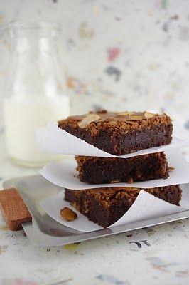 amaretti brownies with amaretto