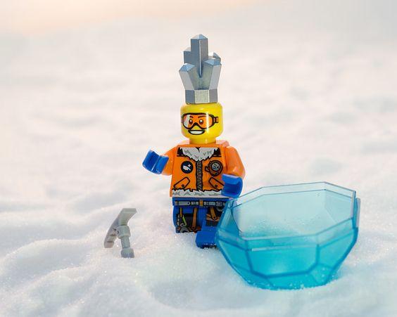 LEGO CITY Arctic Range - Ice Crystal Discovery
