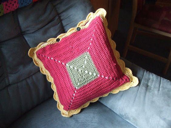 My world of crochet: Stash-Buster # 4: Kissen