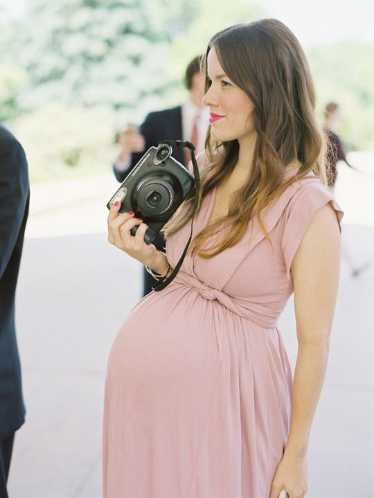 ¡Invitadas embarazadas y... con estilo