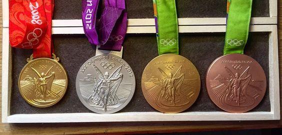 Saúl Craviotoo nos muestra sus medallas olímpicas - http://www.juegosyolimpicos.com/saul-craviotoo-nos-muestra-sus-medallas-olimpicas/
