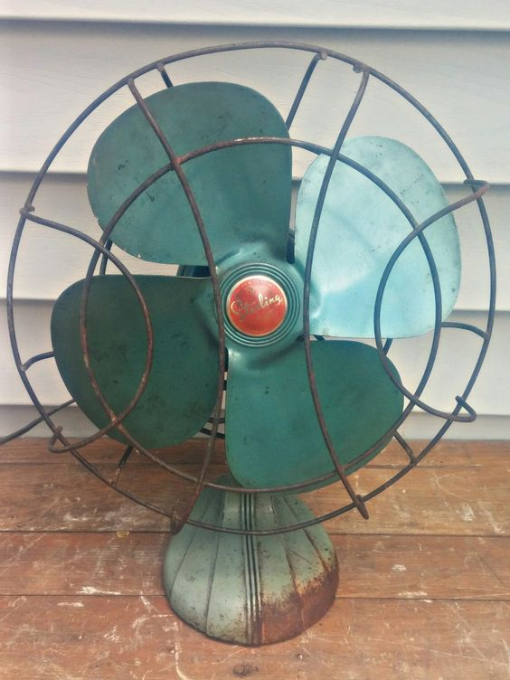 Vintage Sterling Chicago Electric Manufacturing Company Oscillating Desk Fan by VintageRelics802 on Etsy