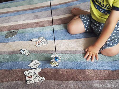 室内遊びや 手作りおもちゃあそび プール開きや夏祭りなどでも楽しめる魚釣りあそび 乳児さんから幼児さんまで 遊び方や楽しみ方もいろいろ 子どもたちの姿に合わせて自由に楽しんじゃお 2020 赤ちゃん 遊び 子供 室内 遊び 家 遊び