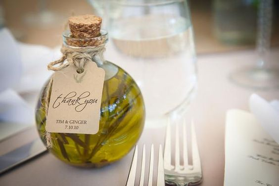 LOVE it!! Again Escort Card/Favor all in ONE!  DIY Wedding Favours - herb infused oil: