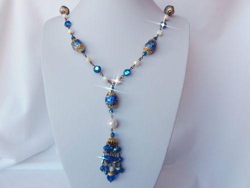 VINTAGE ANTIQUE GOLD PLATE CHAIN & DANGLE CRYSTAL NECKLACE IN BLUE PURPLE & TEAL