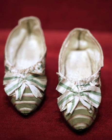 Let them eat cake! Marie-Antoinette's slippers sell for €50,000