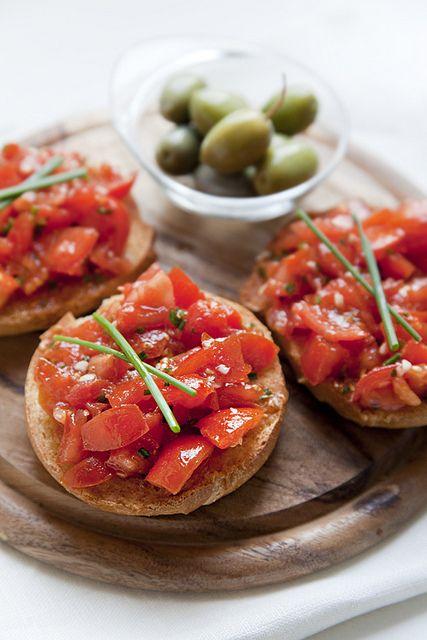 La #frisella e' un prodotto tipico della #Puglia in particolare del #Salento  Scopri il suo gusto su www.itisfood.com: