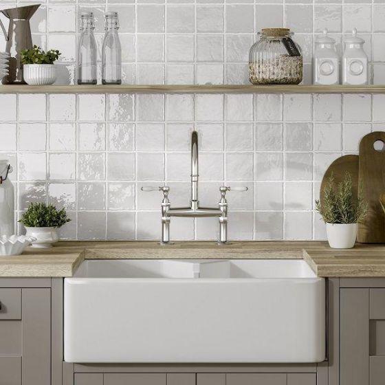 Marlow White 100x100 In 2020 White Tile Kitchen Backsplash Kitchen Splashback Tiles White Kitchen Tiles