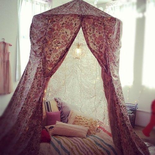Vamos acampar na sala...