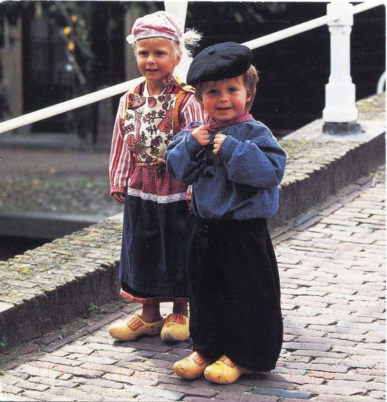 Netherlands - Children in Folk Costumes