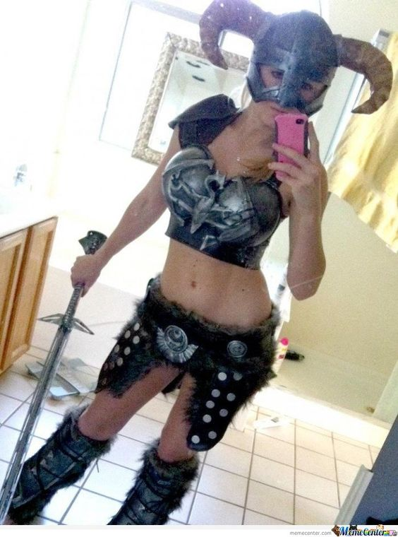 Skyrim cosplay.....jaw just dropped!