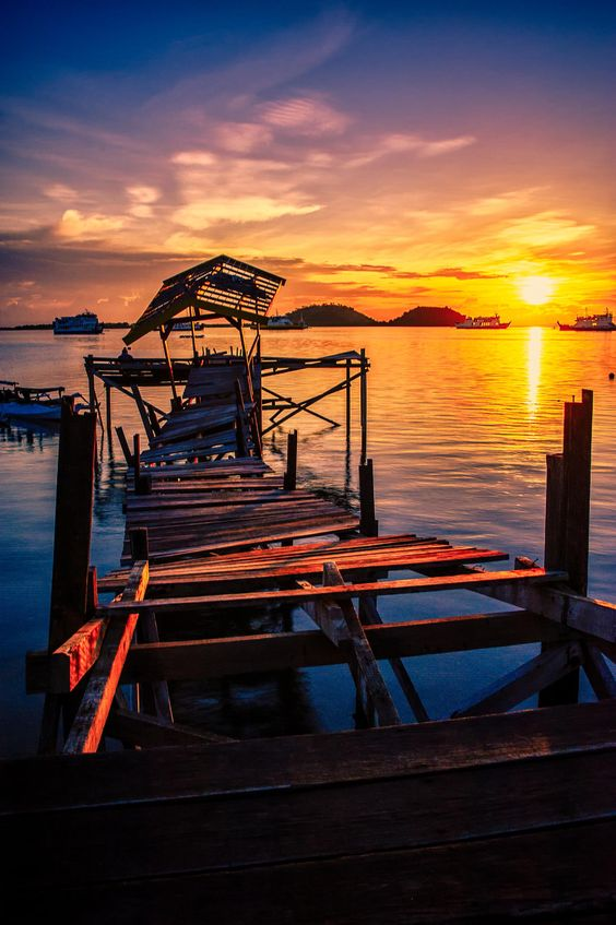 The Broken Pier - Poto Tano, West Sumbawa, Indonesia