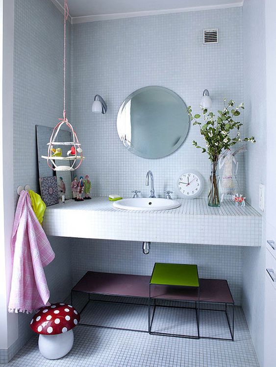 5 ideas for kids 39 bathrooms round mirrors vanities and for Best bathrooms ever