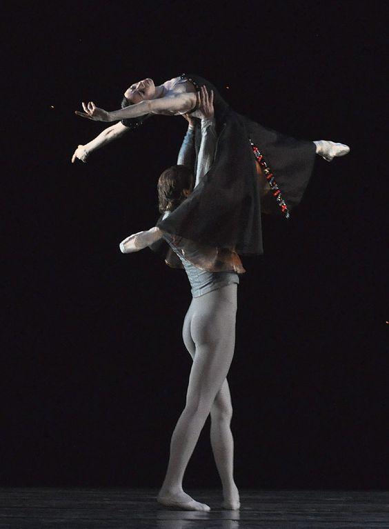 Viktoria Tereshkina and Yuri Smekalov  Mariinsky Ballet - Jerome Robbins 'In the Night'   Royal Opera House