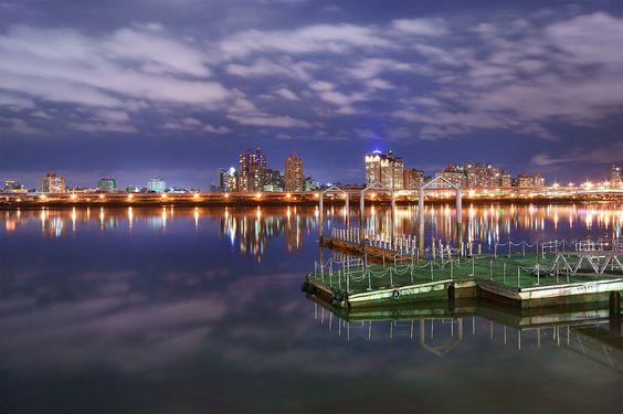Wharf At Night (大稻埕碼頭) | Flickr - Photo Sharing!