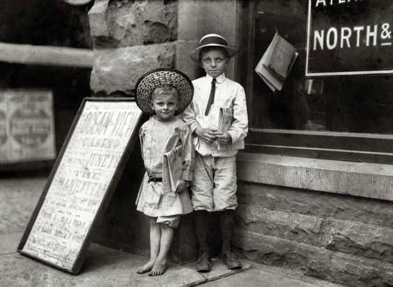1911 Children of the past : young newspaper sellers