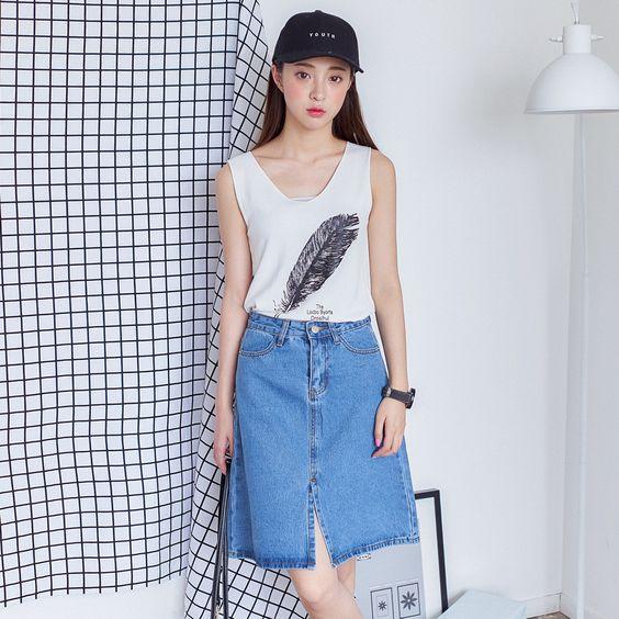 Korean fashion split high waist denim skirt: