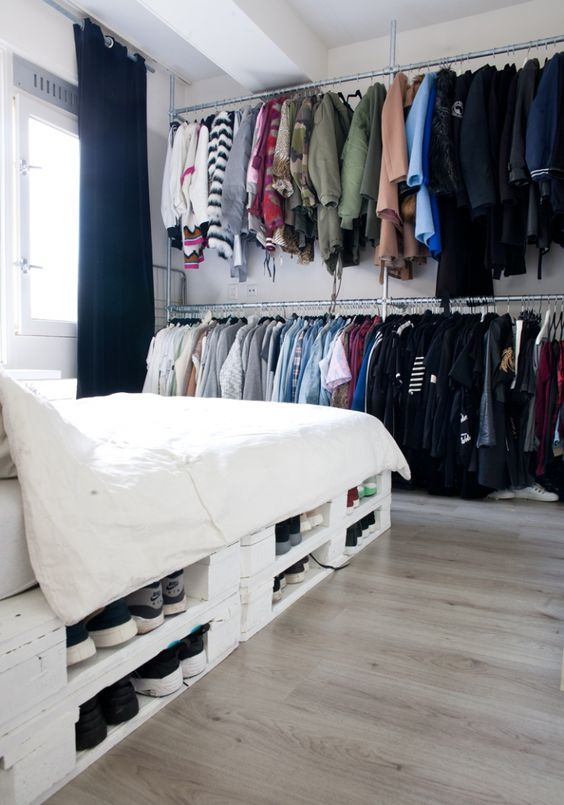 Earlier this year we have gathered a collection of the most beautiful 101 DIYpallet projects to take on, providing you with what be believe to be useful inspirational information for futureDIYprojects. Today we have focused our attention to recycled pallet bed frames, a topic commonly encountered and of high interest among fellow drafters. Pallet woodRead more