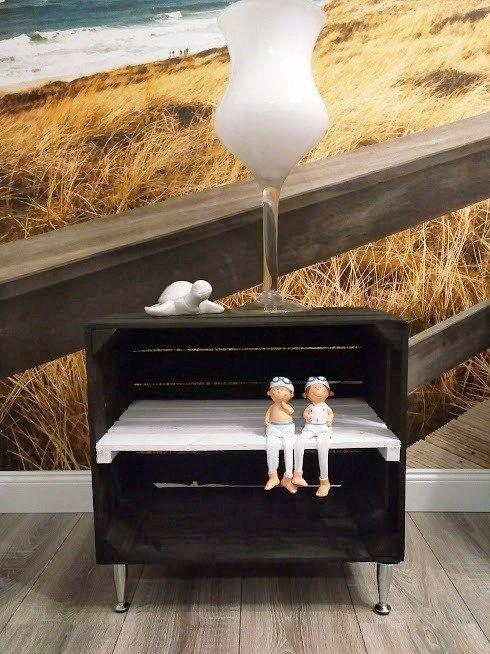 Ich Freue Mich Den Jungsten Neuzugang In Meinem Etsy Shop Vorzustellen Beistelltisch Mit Fussen Aus Chrom Holzkiste Schwarz N Holzkisten Kiste Beistelltisch