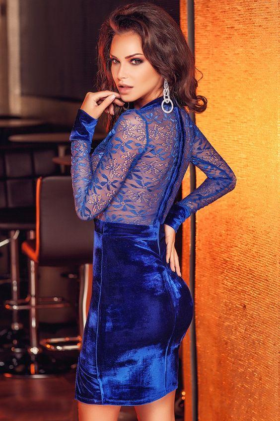 Abito corto in velluto blu - corpino in pizzo trasparente - maniche lunghe » Moda Mania