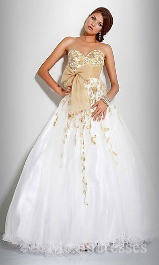 Elegant Ball Gown Long Sweetheart White Organza Prom Dress In Stock momodresses25747