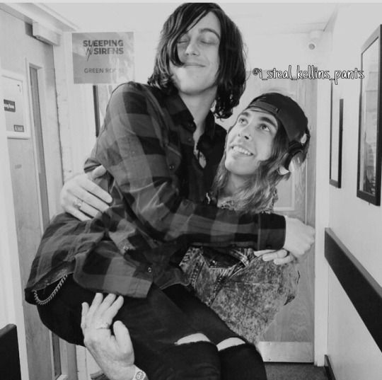 are kellin and vic dating