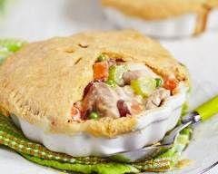 Pie de poulet aux légumes nouveaux : http://www.cuisineaz.com/recettes/pie-de-poulet-aux-legumes-nouveaux-78514.aspx