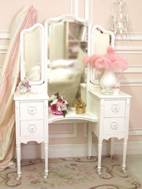Shabby chic white trifold vanity