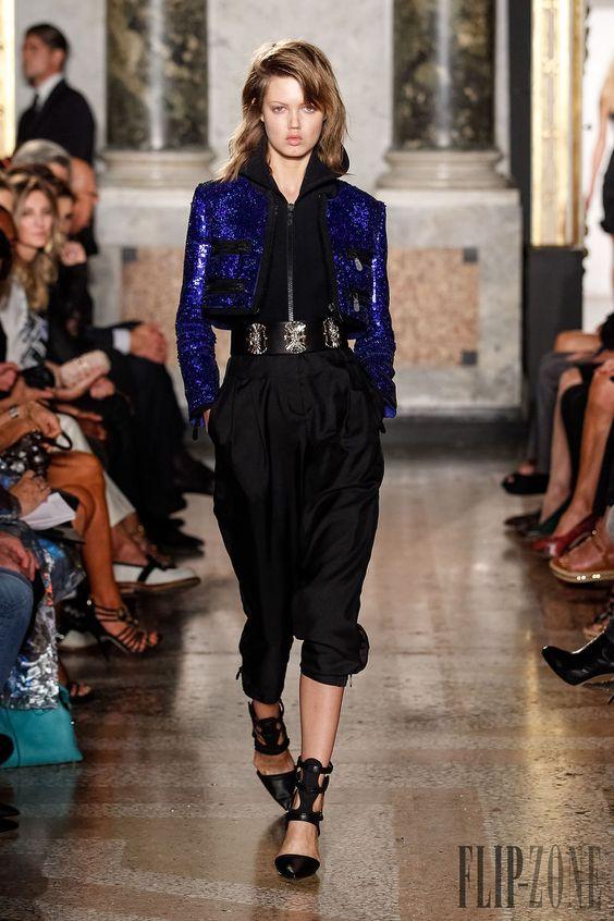 Emilio Pucci - Pret a porter - Primavera-Verano 2014 - http://es.flip-zone.com/fashion/ready-to-wear/fashion-houses-42/emilio-pucci-4171 - ©PixelFormula