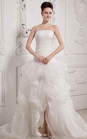 Duchesse-Linie Pick-Ups plissiertes romantisches Brautkleid ohne Ärmeln mit Tüll