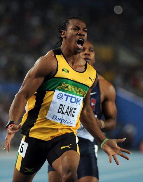 Ele tem cara, postura e corpo de pugilista, mas a tradição de sucesso da Jamaica é nas pistas, não nos ringues! Yohan Blake, 22 anos, moleque promissor e campeão mundial dos 100 m, vice campeão nos 200 m e fez parte da equipe que bateu o recorde mundial dos 4 x 100 m, tudo em 2011, tem tudo para se tornar um nome tão valioso quanto o dos compatriotas Asafa Powell e Usain Bolt. Obs: repara que ele não corta as unhas há anos!!!