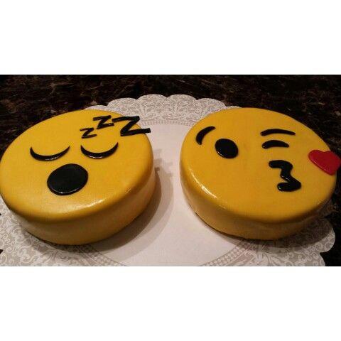 Cake Ice Cream Emoji : Definitely Dorsey Emoji Cakes Chef Sonya Dorsey Chef ...
