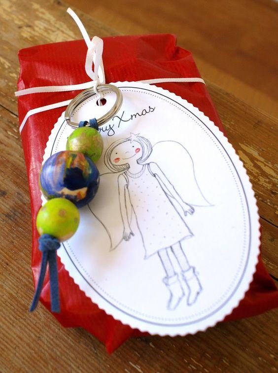 Ann&Lou: Schlüsselanhänger aus selbst bemalten Holzperlen
