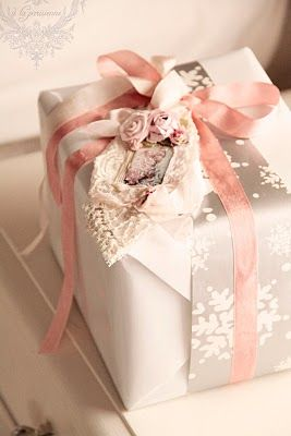 Zsa Zsa pink present